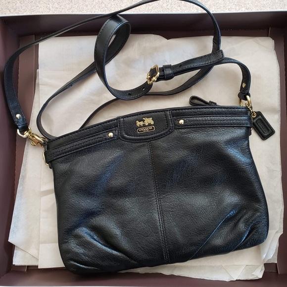 Coach Handbags - ⬇️$120 COACH black crossbody bag